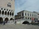 """Review of exhibition """"Light"""" in Venice - Latvieši Venēcijā radīs gaismu"""